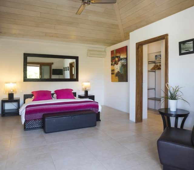 http://anakao.mbolo-rum.com/wp-content/uploads/2018/09/Location_photos_Mbolo_St-Barthelemy_Villa_St-Barts-Villa_Anakao_Chambre_1_2-640x560.jpg