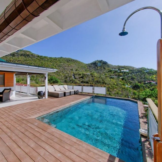 https://anakao.mbolo-rum.com/wp-content/uploads/2018/09/Location_photos_Mbolo_St-Barthelemy_Villa_St-Barts-Villa_Anakao_Extérieur_5-640x640.jpg
